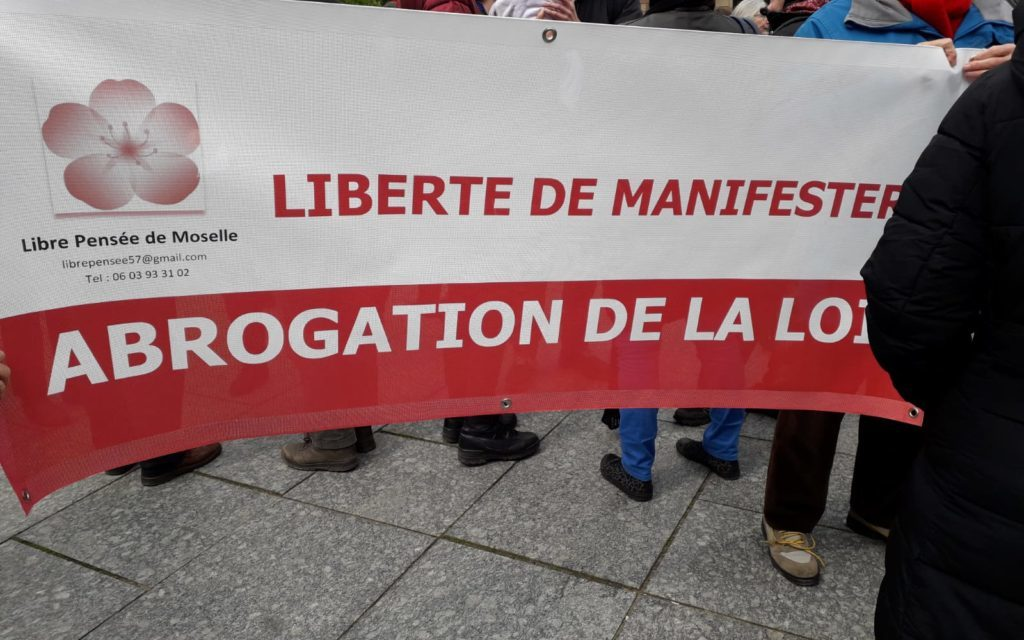 A Strasbourg, on défile contre des casseurs… de démocratie !