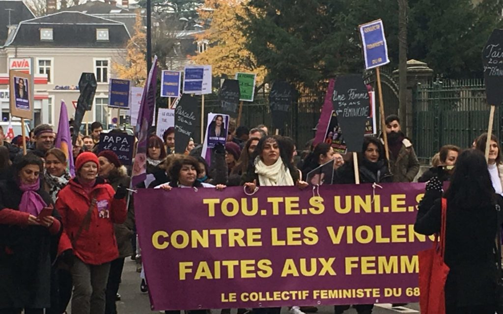 Plus de 300 manifestant-es contre les violences faites aux femmes à Mulhouse