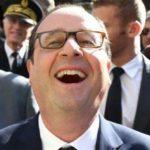 François Hollande teste sa nouvelle vocation d'auteur pour la jeunesse dans une école primaire de Mulhouse