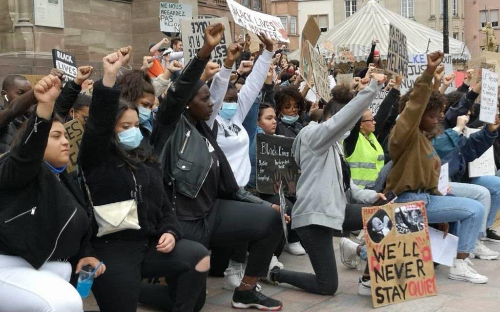 Manifestation #Blacklivesmatter à Mulhouse : témoignage d'une jeune participante, photos et prise de son