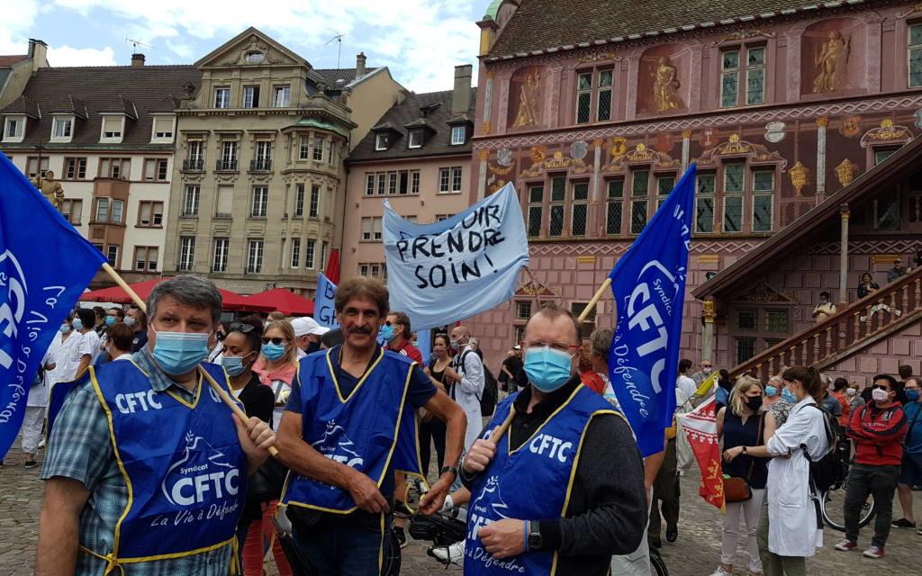 Des soignants se rassemblent et défilent à Mulhouse pour réclamer les moyens promis par le gouvernement