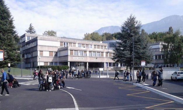 Le SNES-FSU Alsace relate une année scolaire éprouvante dans le secondaire et redoute la rentrée prochaine