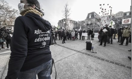 Rassemblement devant la préfecture de Colmar contre le maintien du projet Eurovia 16, suspecté d'être conçu sur mesure pour Amazon