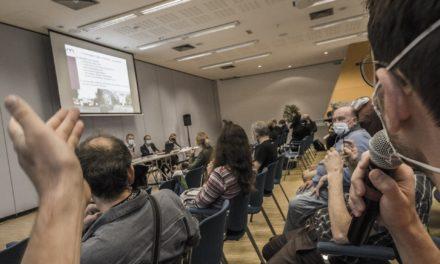 Publicité dans l'espace public : une réunion publique à Mulhouse agglomération empreinte de ferveur politique