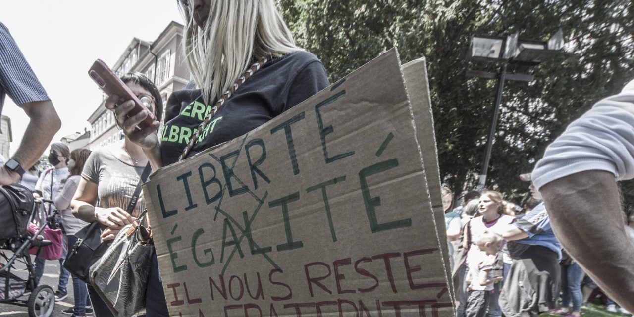 Absurdistan autoritaire : une manifestation contre le pass sanitaire à Mulhouse