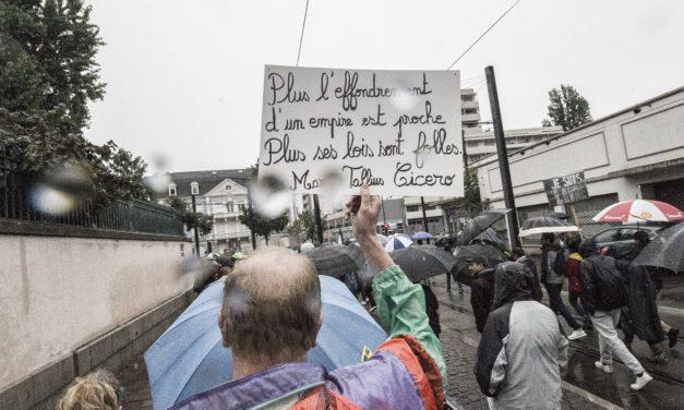 Encore plusieurs milliers de manifestants malgré la pluie lors du quatrième acte contre le pass sanitaire à Mulhouse. Et maintenant?
