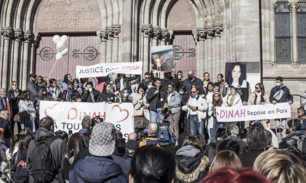 A Mulhouse, une marche blanche pour Dinah, une adolescente de 14 ans harcelée dans son collège, qui s'est suicidée début octobre